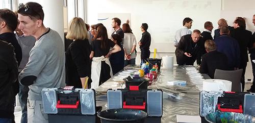 Une animation team building artistique pour fédérer vos collaborateurs et immortaliser vos résolution dans une oeuvre collective à exposer dans votre entreprise. Symbole de cette belle dynamique au quotidien